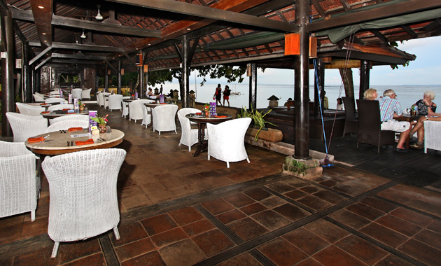 Peneeda View - Restaurant & Beach